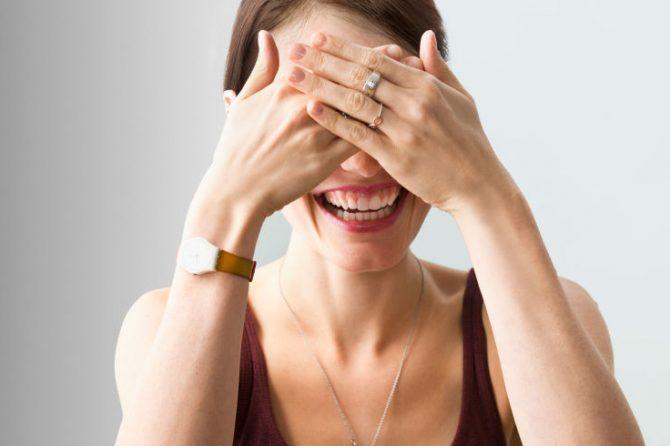 หัวเราะทั้งวัน ไม่ได้แปลว่าบ้า แต่ทำหน้าเรียวสวย