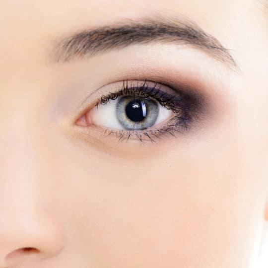 เบ้าตาลึกโบ๋ มีรอยคล้ำรอบดวงตาทำใบหน้าดูเพลีย มีอายุ แก้ไขได้ด้วยการทำตาสองชั้นพร้อมเติมไขมันตัวเอง ให้ดวงตาดูสดใสขึ้น 1